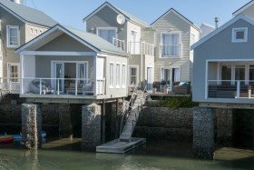 1-Waterside-House-Thesen-Island